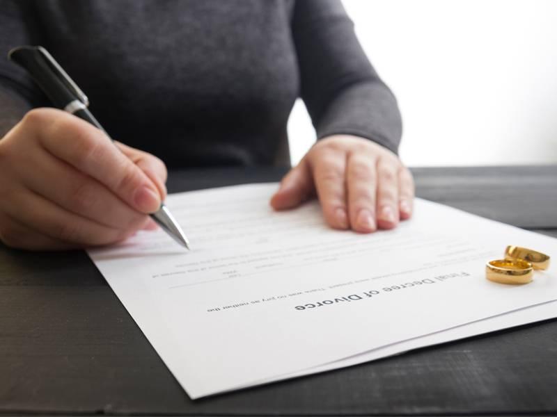 divorces-solicitor-in-weybridge